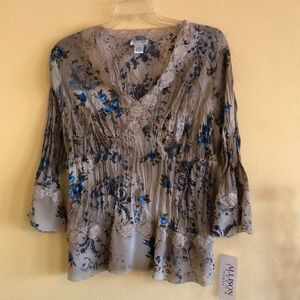 Crinkle & Lace Blouse
